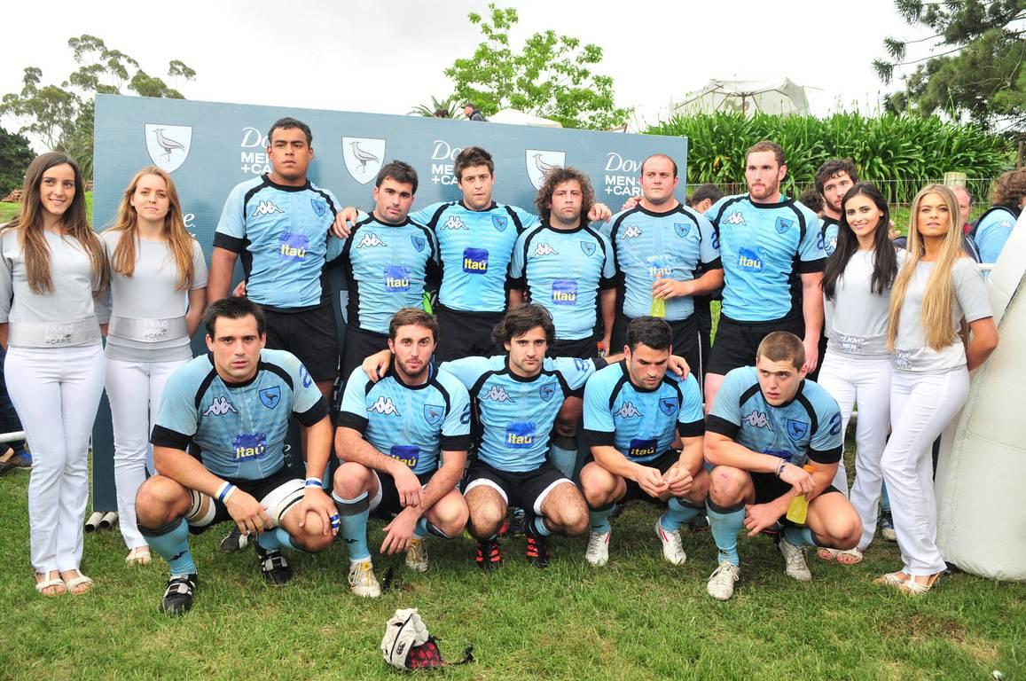 Parte del equipo luego de finalizado el partido
